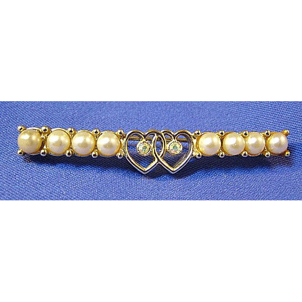 Lovey Sara Coventry Bar Pin with Hearts and Simulated Pearls
