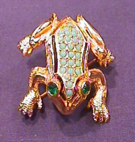 Exceptional DeNicola Frog Pin