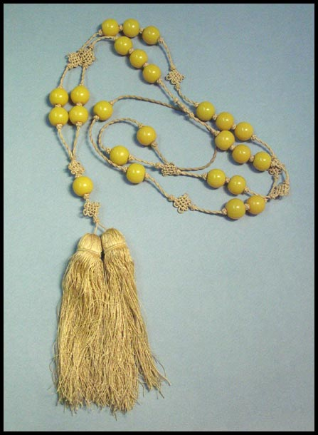 Magnificent 1920's Necklace with Yellow Glass Beads