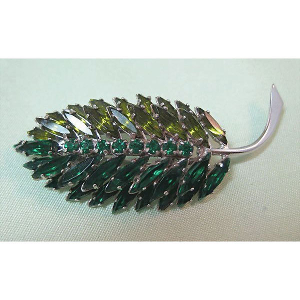 Two-tone Green Leaf Pin Very Dimensional