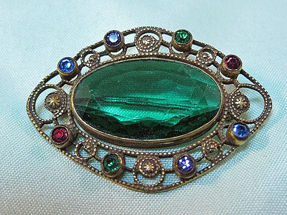 Lovely Unsigned Czech Pin with Large Emerald Green Stone