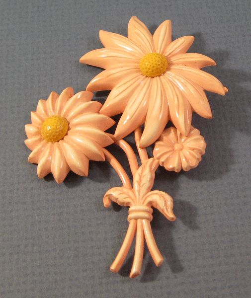 Large Early Plastic Pink Flower Pin