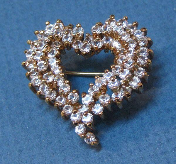 Petite Rhinestone Dimensional Heart Pin
