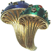 Boucher Double Mushroom Pin / Designer Pin / Vintage Jewelry /Fashion Jewelry