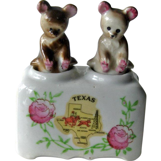 Texas Souvenir Bear Nodder Shaker Set - Figural Salt and Pepper Shakers - Housewarming Gift - Salt Shaker Set - Couples Gift