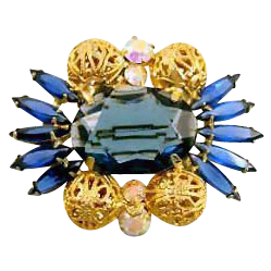 DeLizza & Elster (Juliana) Blue Rhinestone Pin w/Filigree Balls