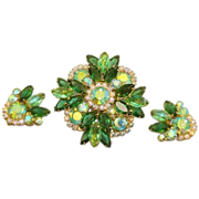 DeLizza & Elster (Juliana) Green Aurora Borealis Rhinestone Brooch Pendant Earrings Set