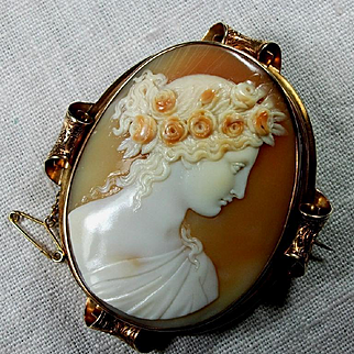 Exceptional Museum Quality Victorian Cameo Brooch of Goddess Flora