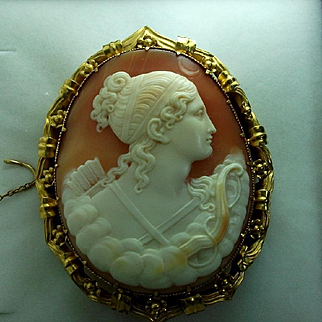 Beautiful Museum Quality Victorian Shell Cameo Brooch of Goddess Diana