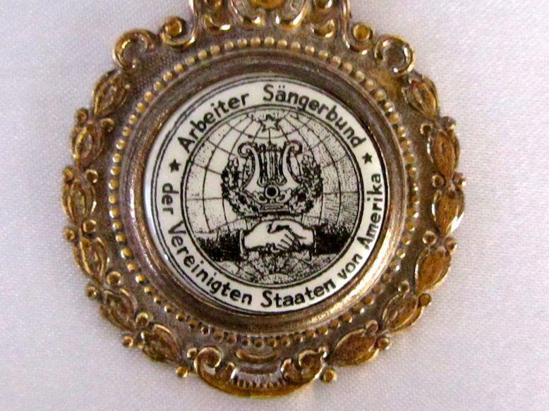 1932 Buffalo, NY German Saengerfest Medallion Pin