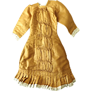 Pretty Dress for a Large Fashion or China