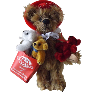 """""""Shopping"""" Bear by Wold Of Miniature Bears, W/Certificate of Authenticity"""