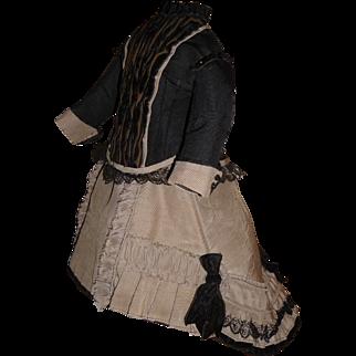 Beautiful silk twill french fashion antique doll dress