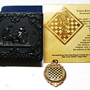 Chess playing related collectable items including 1957 ISLE OF MAN CHESS CONGRESS badge