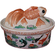 Chinese porcelain bowl tureen with goldfish cover 19th century