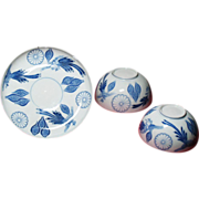 Japanese Imperial porcelain with 16-petals Kiku Mon