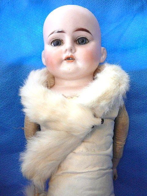 Ermine Fur Stole for your Doll