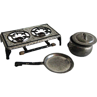 Miniature Tynietoy Cook Top Two Burner Stove with Pot and Pan