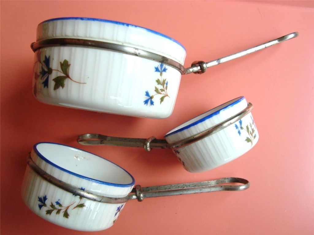 French Child's Doll Dishes Depose Porcelain Sauce Pans