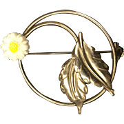 Daisy Circle Pin