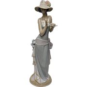 Lladro Porcelain Figurine: Tea Time