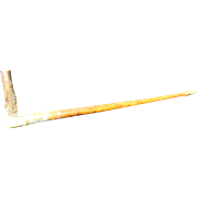 Horn Riding Crop with Dog Detail