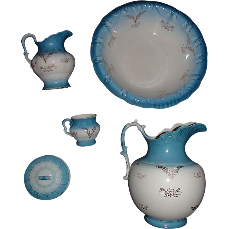 """Gold Stenciled Washbowl & Pitcher 5 Pc.  Set made by """"K.T. & K. Co. """" Circa 1900 !!!"""