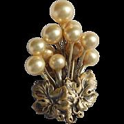 Sweet Pearl Dress Clip