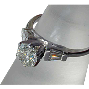 Stunning Vintage 14K White Gold Diamond Ring with Classic Setting