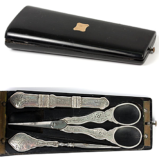 Fine Antique French Sterling Silver Sewing Set, Etui, Scissors, Needle Case, Stiletto, c.1838