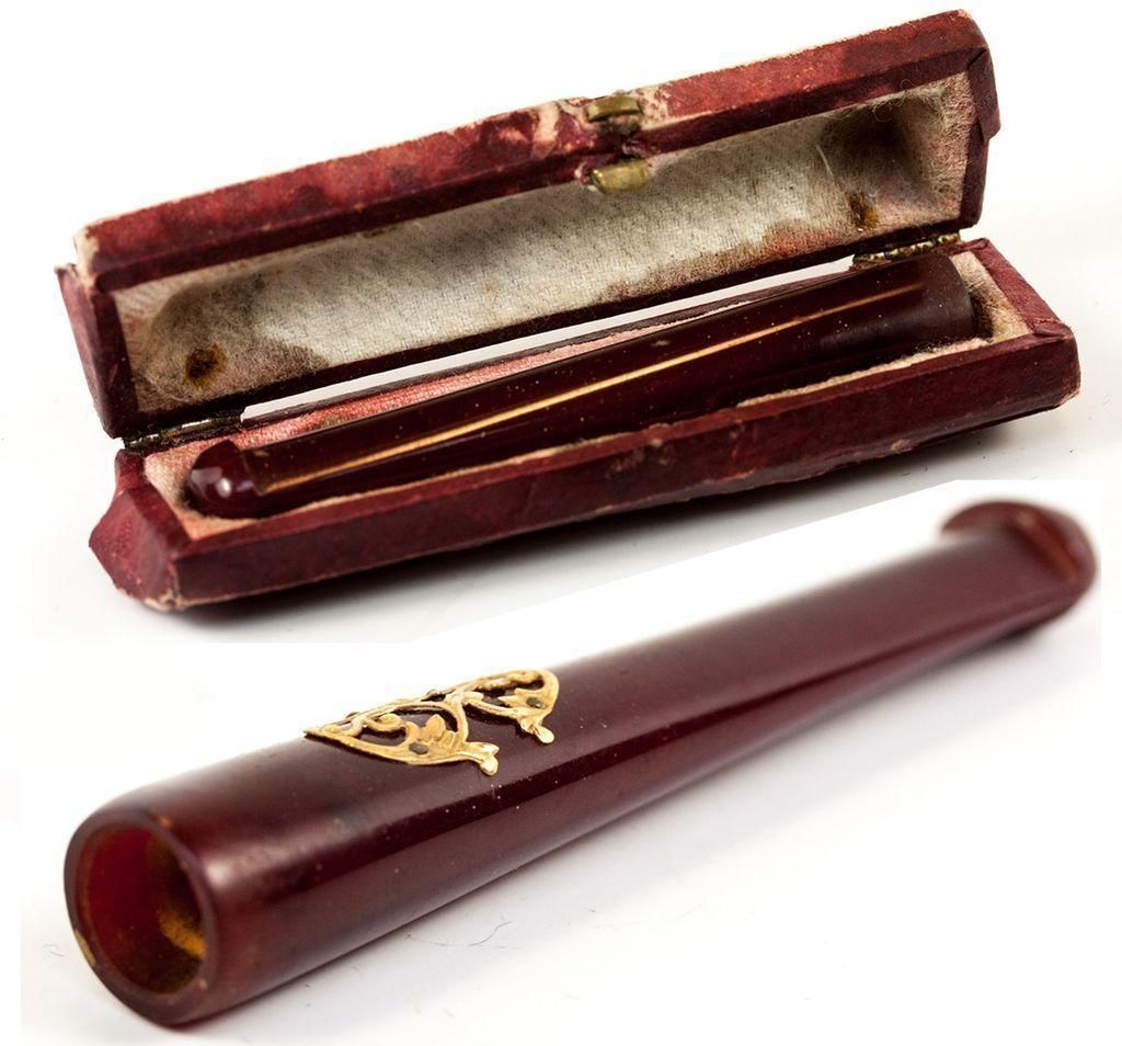 Antique French Cigar or Cheroot Holder in Amber with 18k Gold, & Case