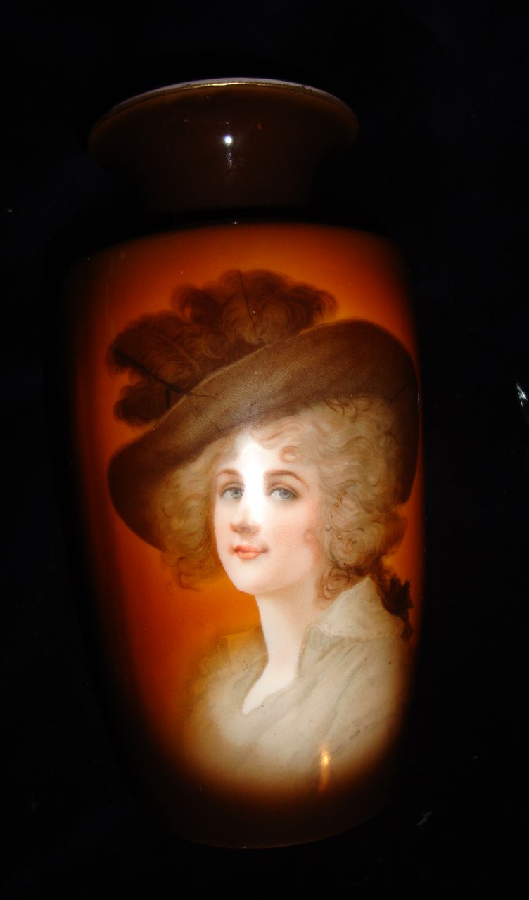Vintage German Porcelain  Vase Duchess Of Devonshire 1920