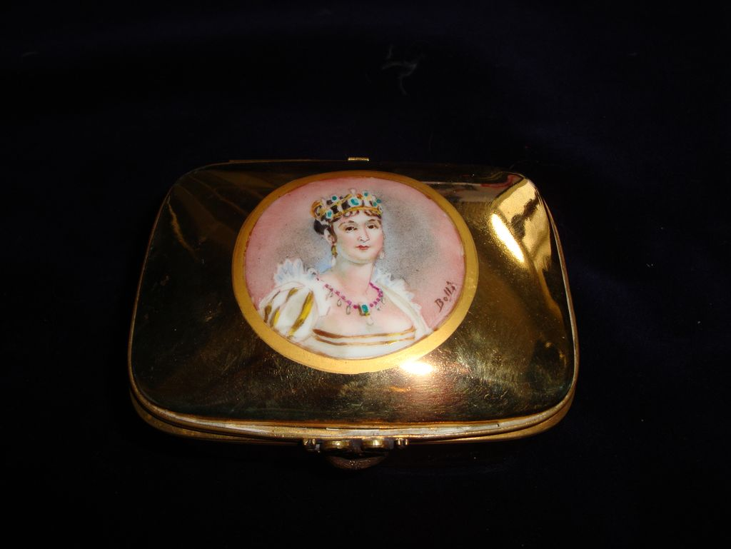 French  Portrait Hand Painted Porcelain Box c1910