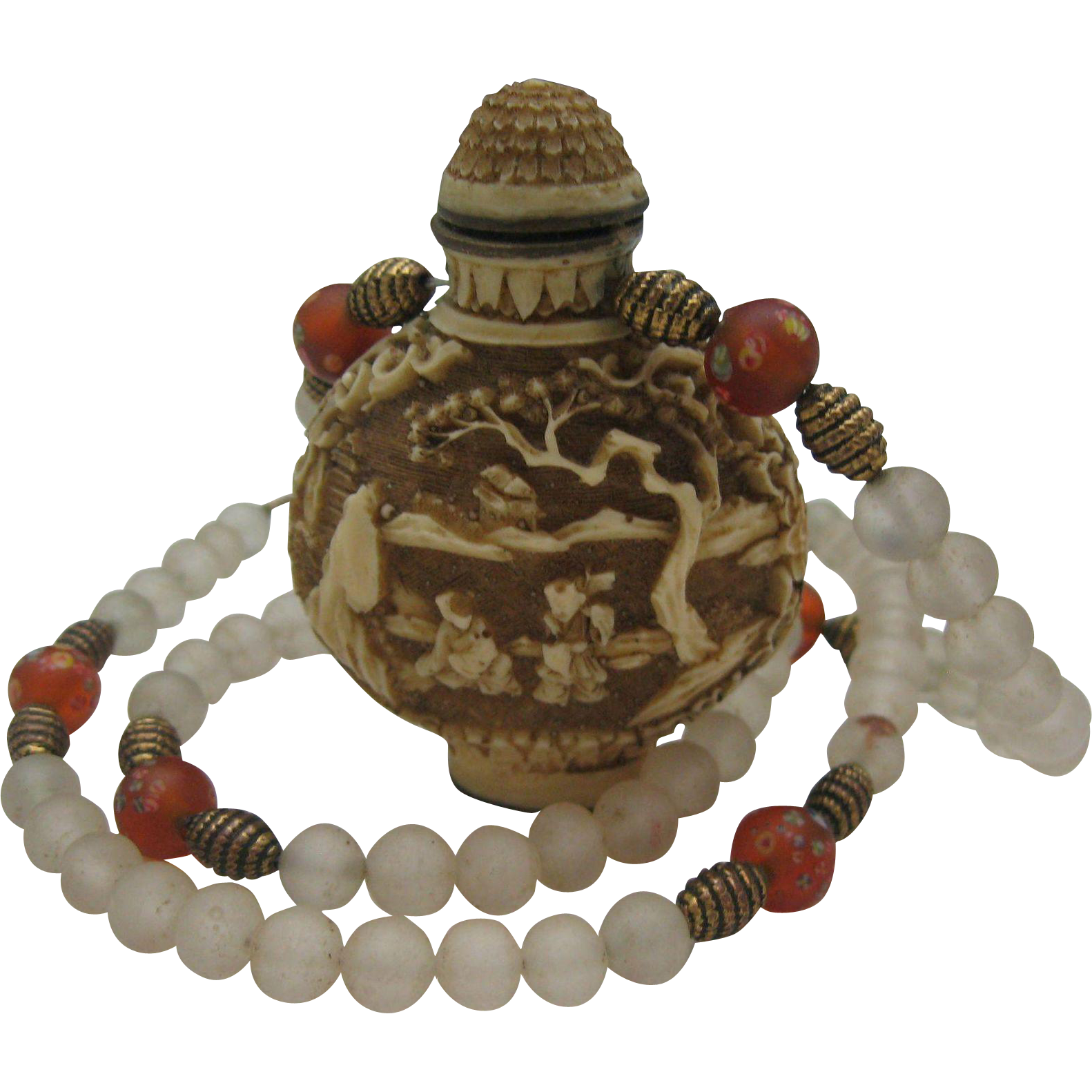 Chinese Export White Cinnabar Snuff Necklace