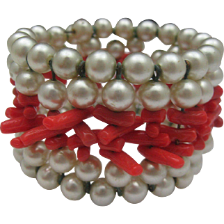 Faux Pearl Coral Memory Wire Bracelet c1950