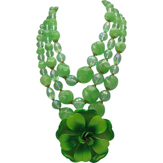 Green Plastic Floral Necklace 1960