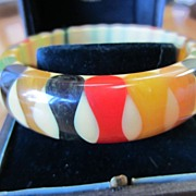 Authentic Pristine Bowtie Gum Drop Bakelite Bangle ~ Bracelet Vintage Circa 1940