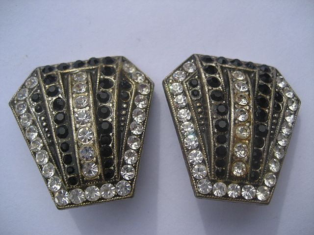 True Vintage Art Deco Flapper Rhinestone Earrings Black and White Wonderful