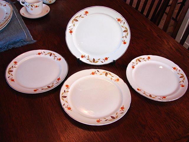 Hall's China Jewel Tea Autumn Leaf Set of 4 Luncheon Breakfast Plates