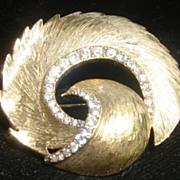 Vintage White Rhinestone  Gold tone Brooch Pin