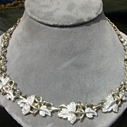 Sarah Coventry Figural Leaf Necklace