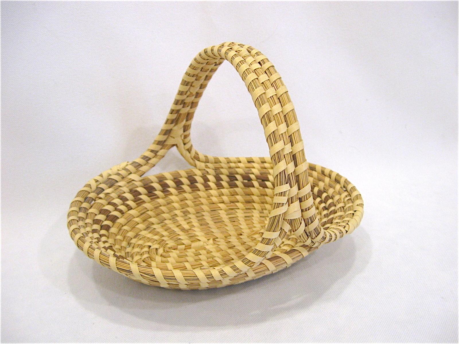Handmade Baskets In Charleston : Charleston sweetgrass basket oval with handle handmade