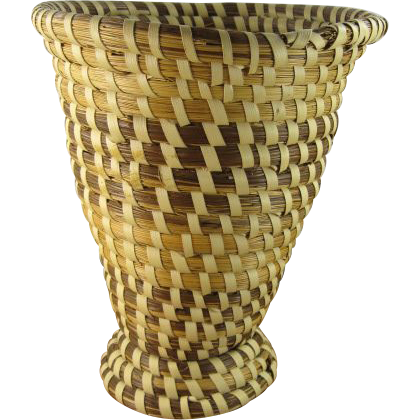 "Rare Charleston Sweet Grass 7 1/2"" Vase"