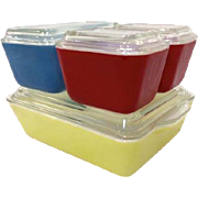 Pristine 8 Pc Set Pyrex Refrigerator Dishes in Primary Colors