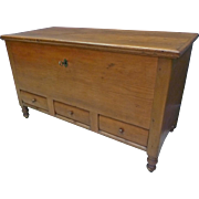 Early Pennsylvania Blanket chest with Key