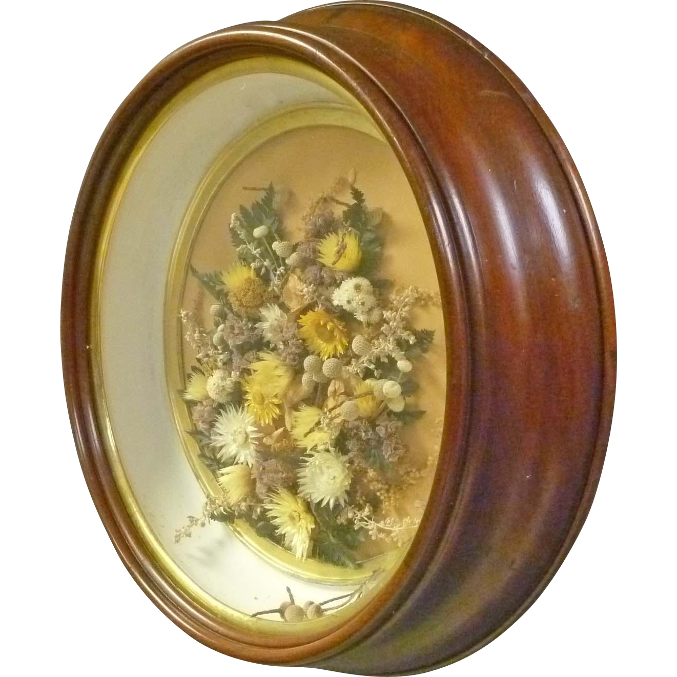 Victorian Round Shadow Box Frame