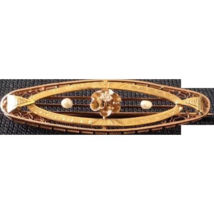 Art Deco 10kt Gold and Diamond Bar Pin