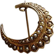 Victorian 18ct Gold Half Moon Crescent Brooch with Seed Pearls
