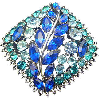 1950s Vintage Rhinestone Shades Of Blue Brooch, Domed Cushion Shape, Silvertone Setting