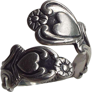Sterling Silver Vintage Avon Spoon Ring, Classic Design!